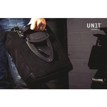 侧袋采用分体皮革+ Guzzi V7 DX镜架